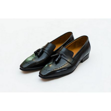 BLACK HAND-BUFFED LOAFERS