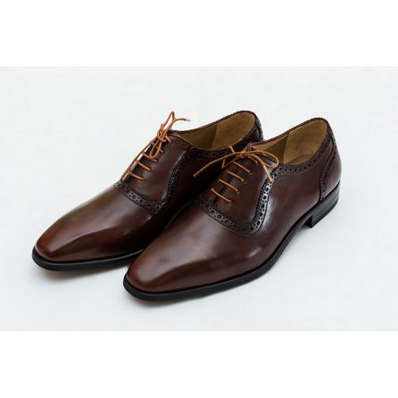 HAND-BUFFED BROWN DERBIES