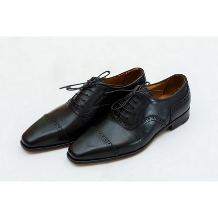 BLACK HAND-BUFFED OXFORD SHOES